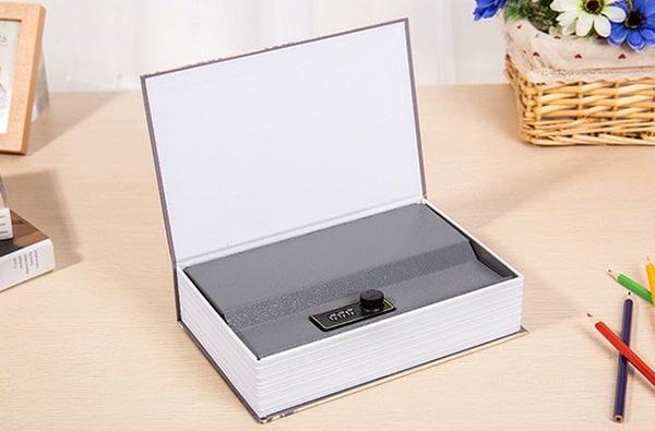 Компактный сейф, замаскированный под книгу
