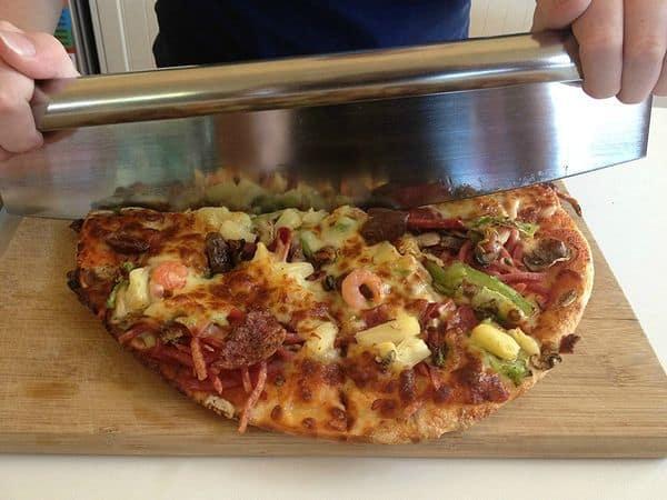 Большой нож для нарезки пиццы от Checkered Chef