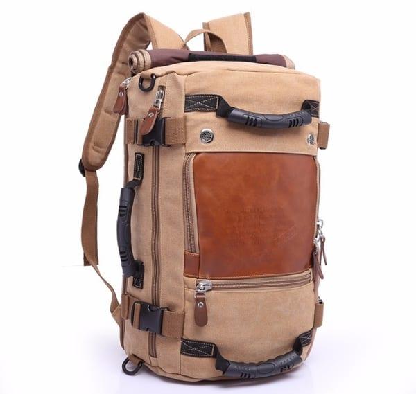 Вместительный рюкзак-чемодан для путешествий