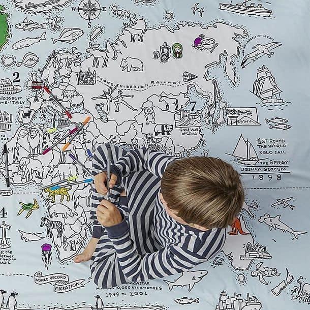 Детский комплект из пододеяльника-раскраски и смываемых маркеров