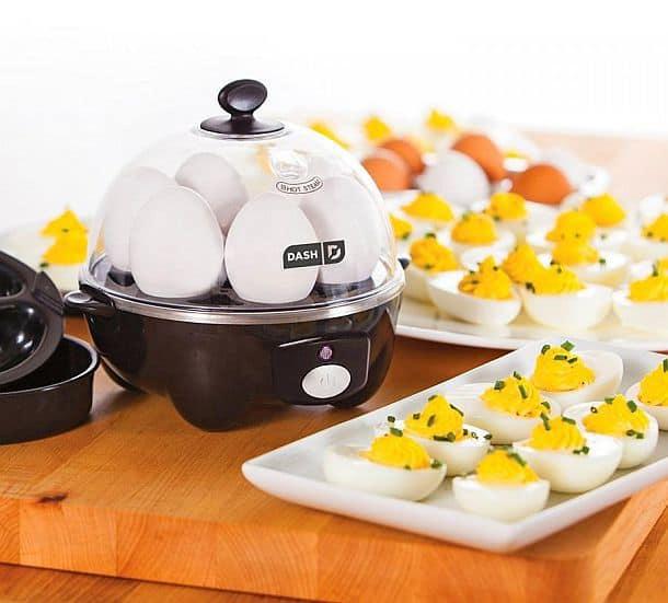 Яйцеварка Dash на 6 яиц