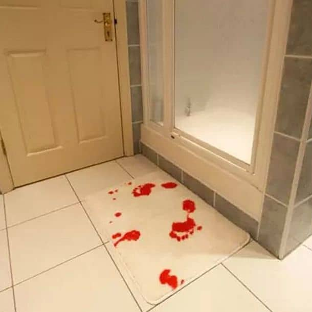 Коврик для ванной комнаты с эффектом цветотрансформации Bloodbath