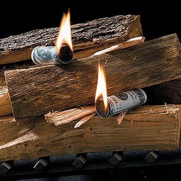 Растопка для разжигания костров в виде денежной купюры