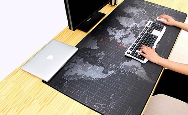 Гигантский коврик для клавиатуры и мышки с картой мира