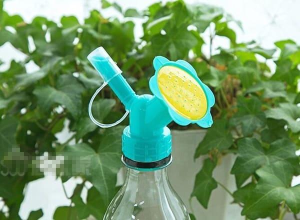 Поливочный адаптер для пластиковой бутылки