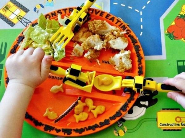 Детский столовый набор в виде строительной техники