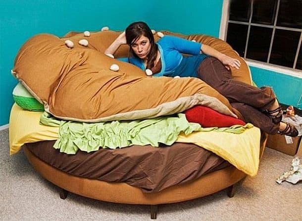 Кровать в виде гамбургера