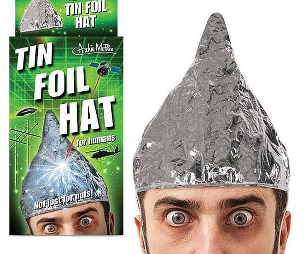 Остроконечный шлем для защиты от негативных биологических воздействий Tin Foil