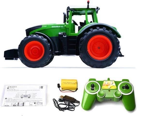Фермерский трактор с пультом управления