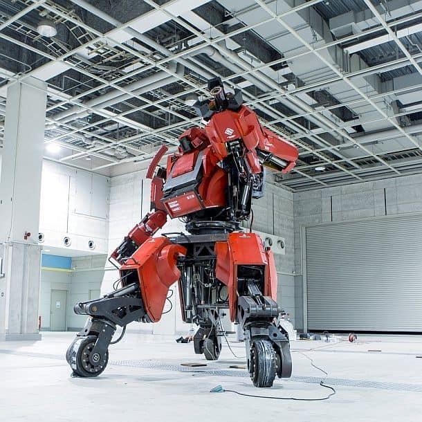 Гигантский робот-воин Kuratas