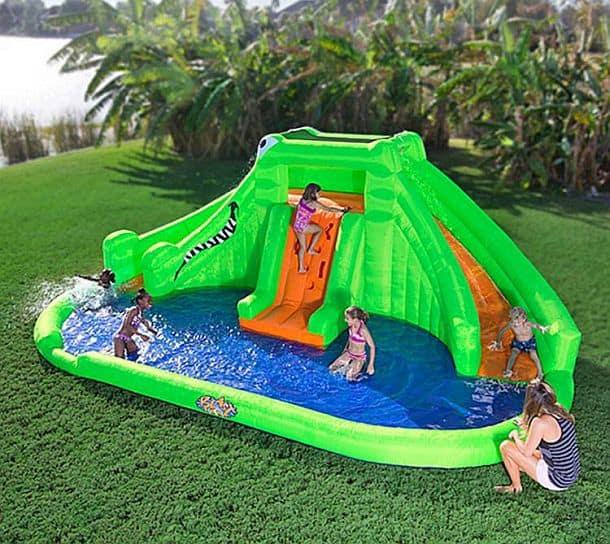 Надувной аквапарк в виде гигантского крокодила Crocodile Isle