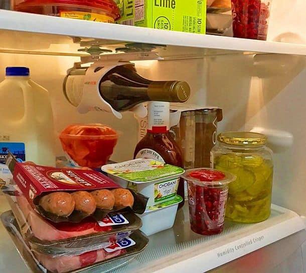 Приспособление для хранения винных бутылок в холодильнике Bevstow