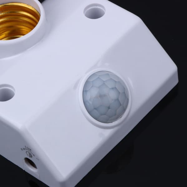 Патрон для лампочек с ИК-датчиком