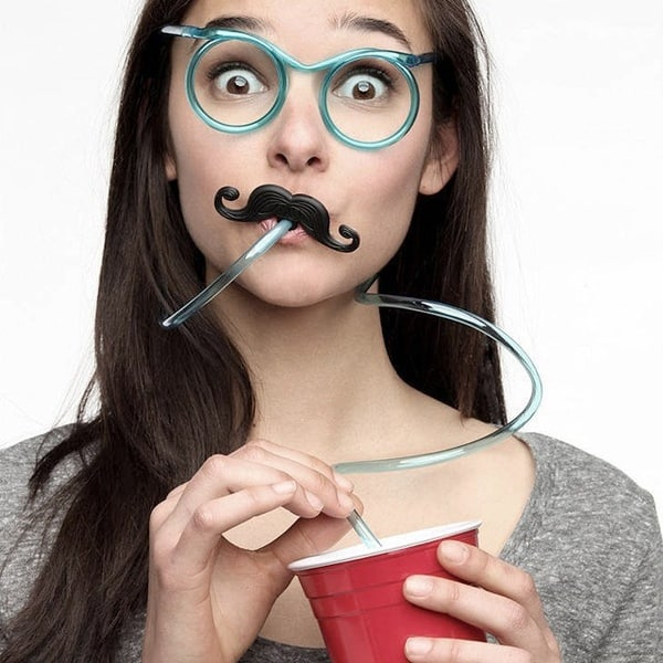 Питьевая трубочка в виде очков
