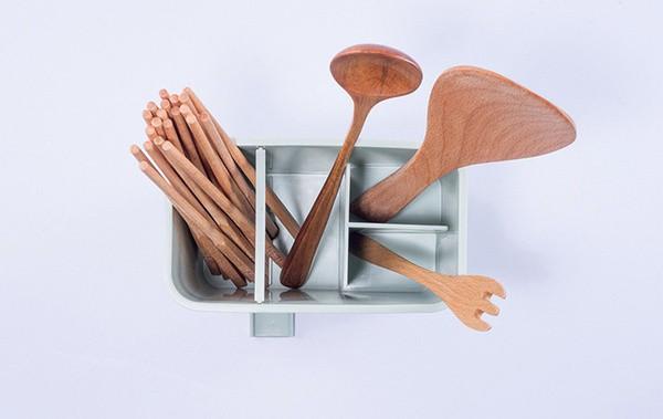 Кухонный органайзер для столовых приборов со сливом