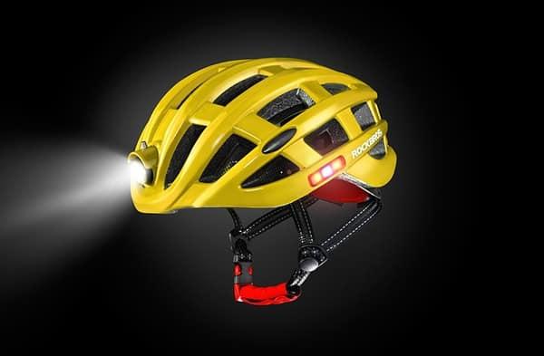 Шлем с круговой системой освещения от RockBros