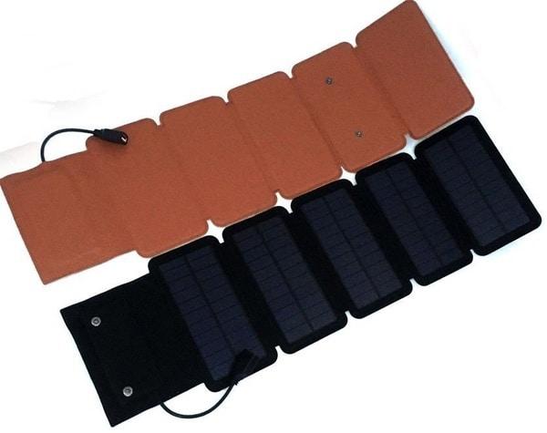 Многосекционное зарядное устройство на солнечных панелях