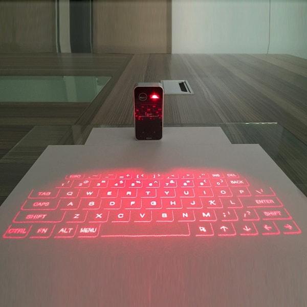 Клавиатура с лазерной проекцией