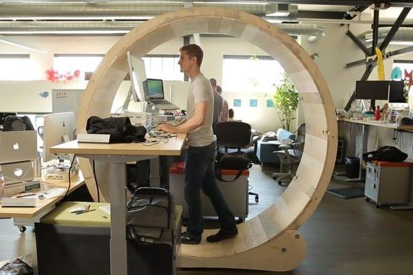 Фитнес-колесо для офисных работников