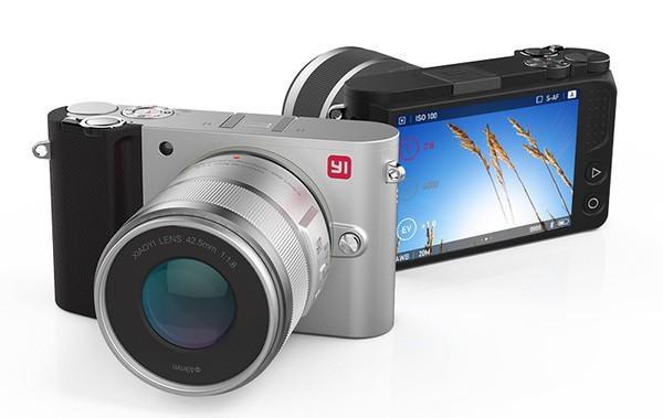 Беззеркальная камера Xiaomi YI