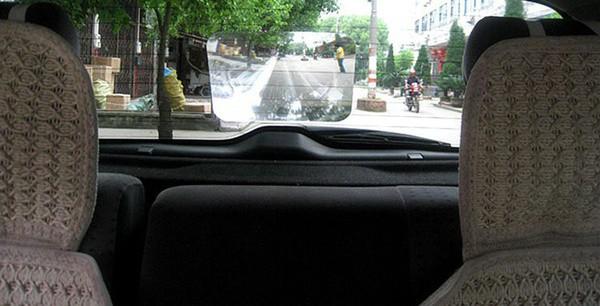 Линза Френеля для улучшения заднего обзора в авто