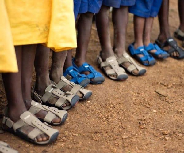 Детские сандалии, которые растут вместе с ногой
