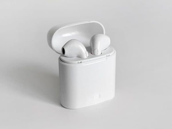 Air Bud - дешёвый аналог BT-наушников Apple AirPods