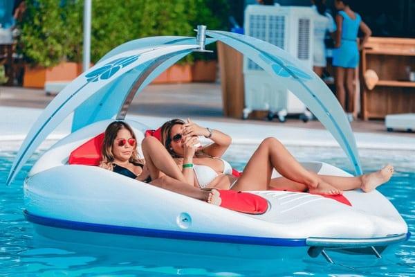 Водоплавающий лежак с электродвигателем Chilli-Island