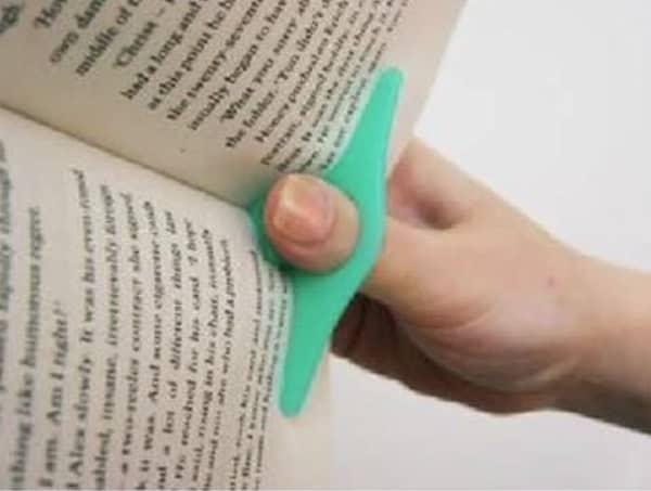Пластиковая распорка для книг