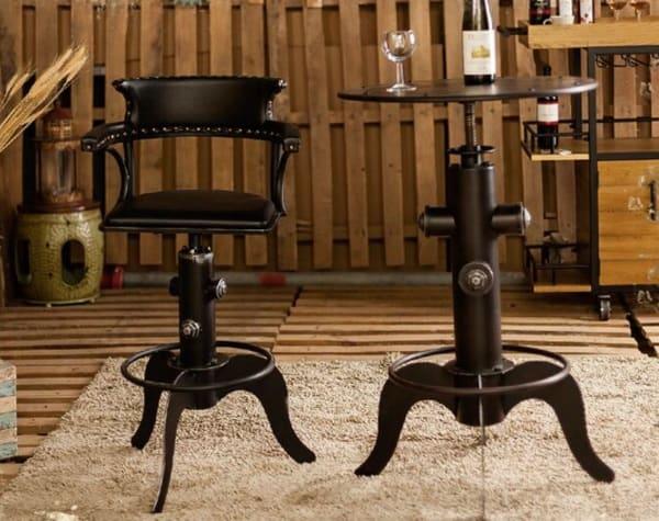 Поворотный стул в классическом стиле