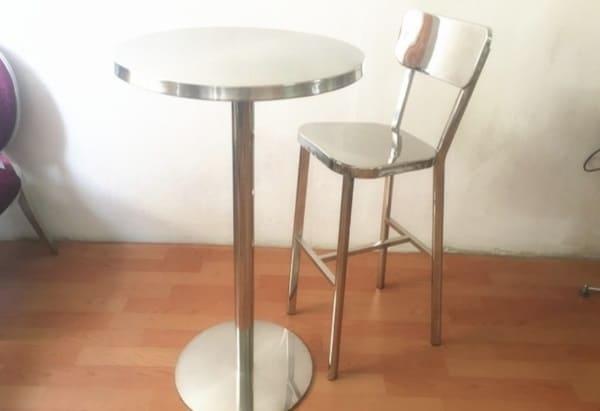 Высокий барный стул из нержавейки