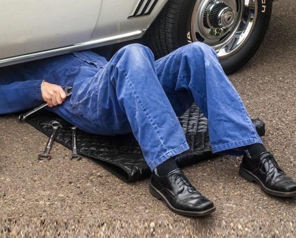 Удобный коврик для ремонта авто