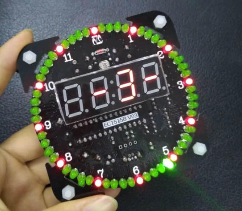 Часы со светодиодами