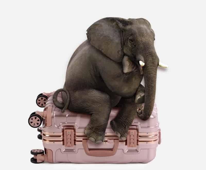 Алюминиевый чемодан на колёсиках