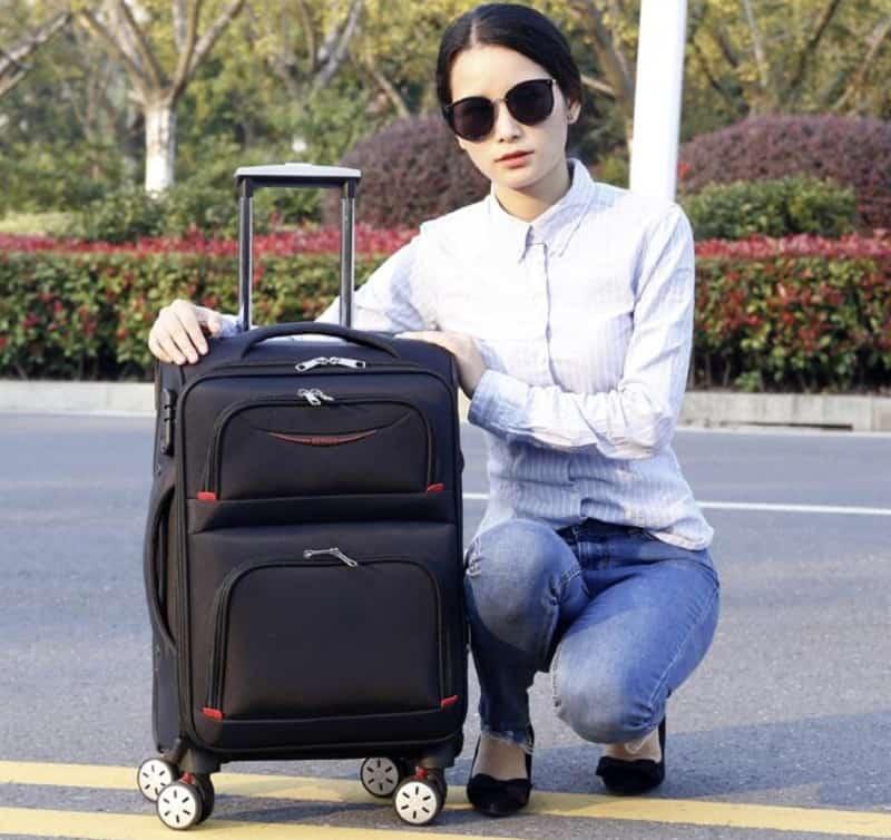 Дорожный чемодан из ткани