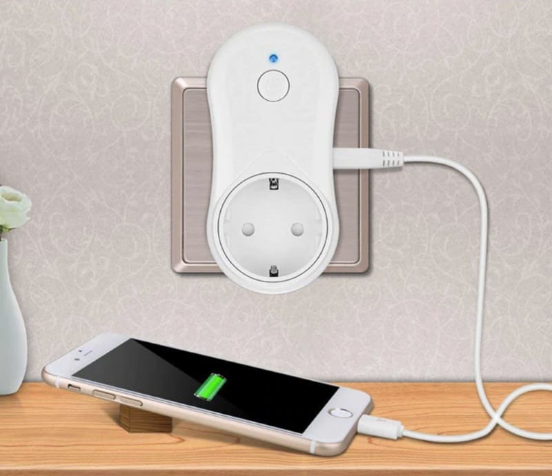 Умная розетка с USB-портом Avatto