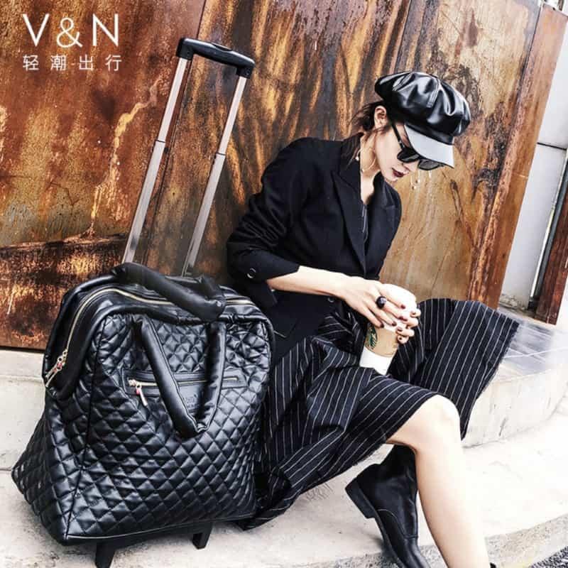 Мягкая дорожная сумка для женщин