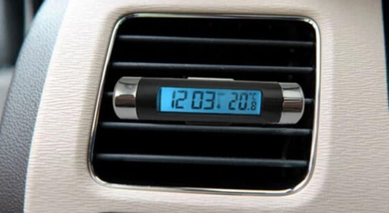 Компактные электронные часы с термометром