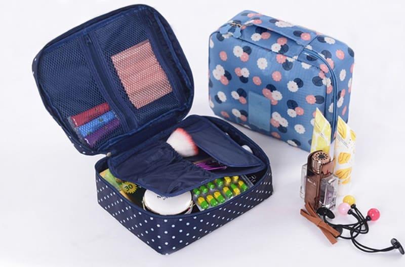 Дорожная сумочка для косметики и средств гигиены