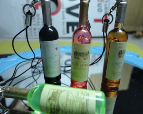 Сувениры в виде миниатюрных бутылочек