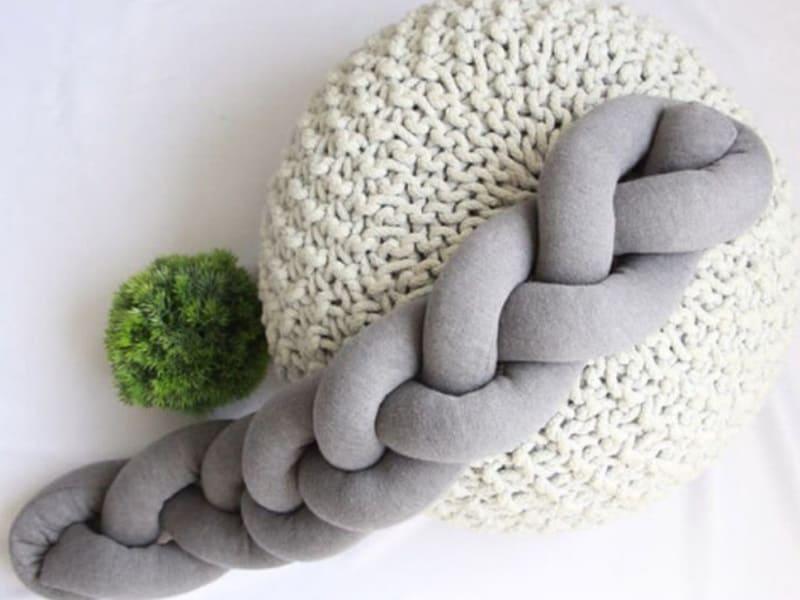 Мягкий плетёный бампер для детских кроваток