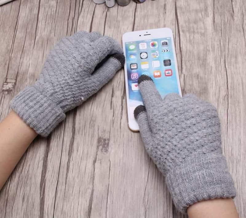 Вязаные перчатки для женщин