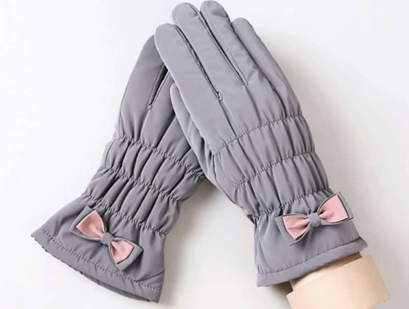 Женские перчатки с защитой от ветра
