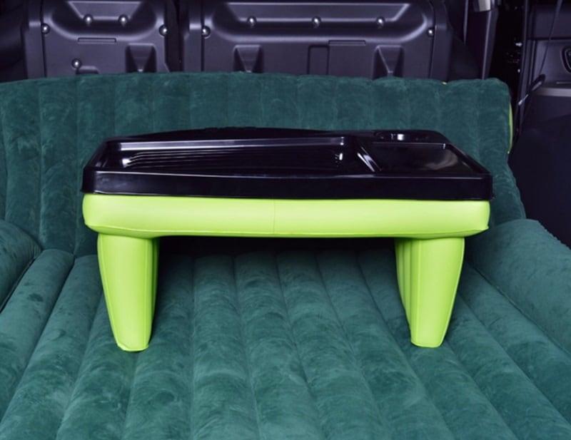 Надувной столик в машину