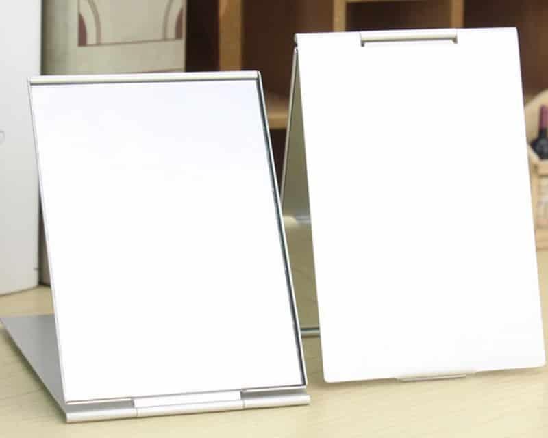 Портативное складное зеркальце с алюминиевой крышкой