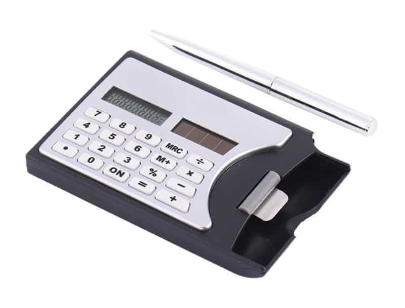 Футляр для визиток с функцией калькулятора