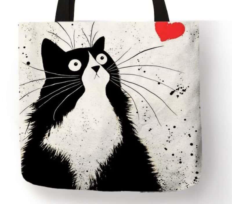 Наплечная сумка с кошкой