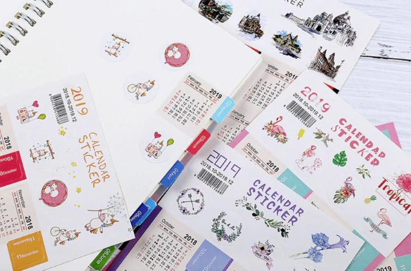 Календари-наклейки
