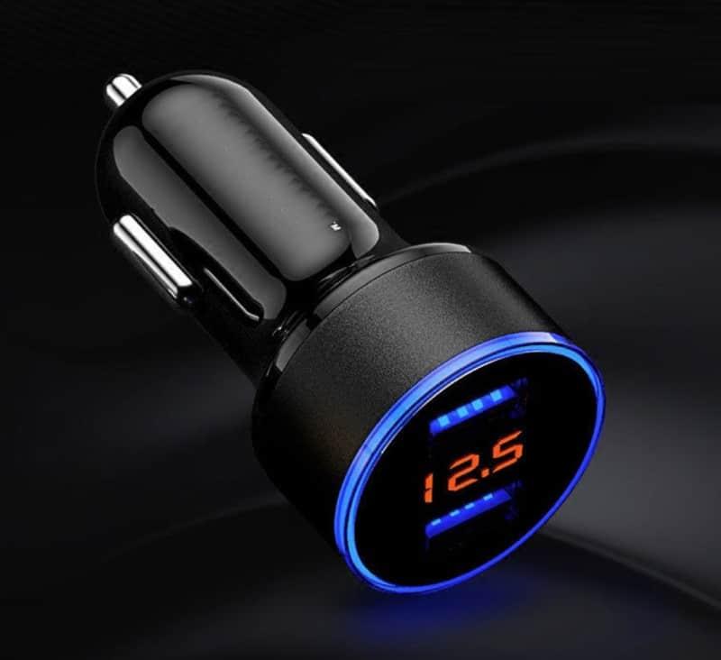 Двухпортовая USB-зарядка в прикуриватель