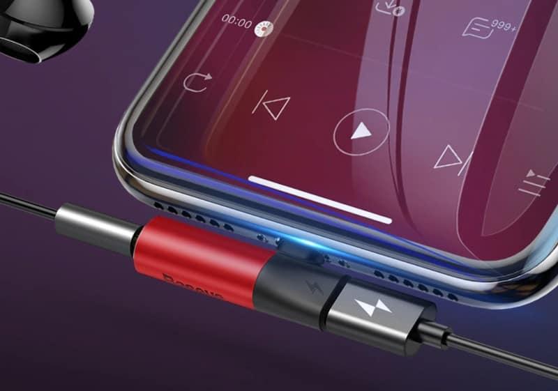 Двойной адаптер для iPhone от Baseus